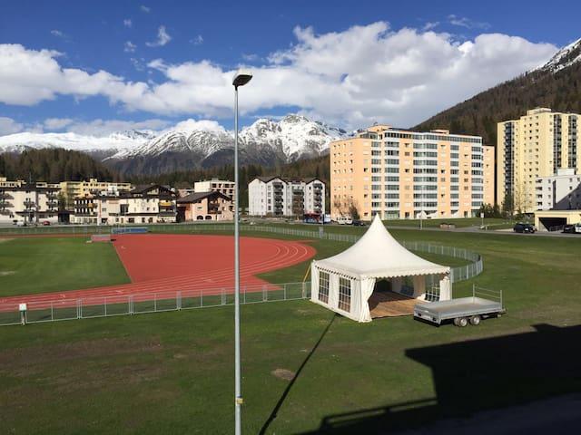 Apartment next to Swiss Olympic Training Base - Sankt Moritz - Pis