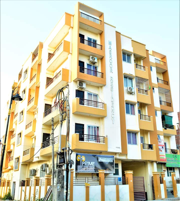 Calm,Serene 3BHK Apartment near Kashi Vishwanath
