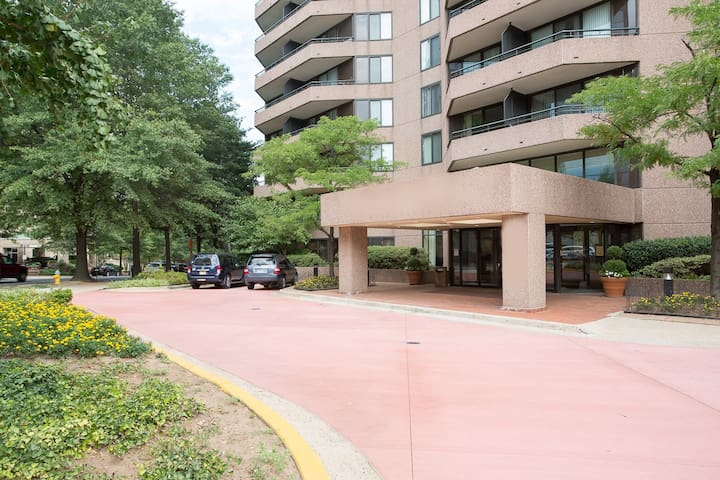 One Bedroom - Oakwood Residence Arlington