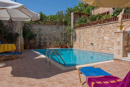 House, with  pool to share  traditional village - Stilos