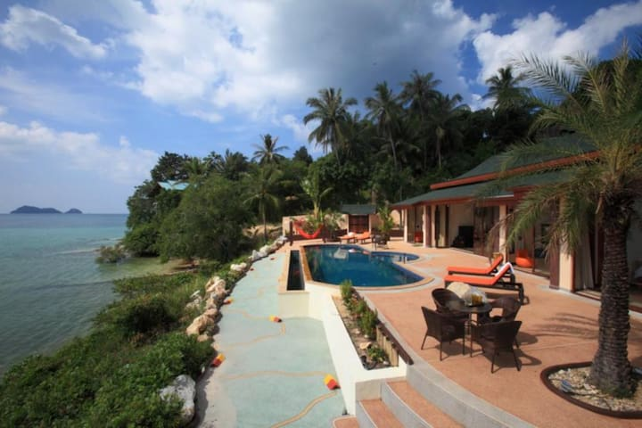 11 Bedroom Triple Sea Front Villas Koh Phangan