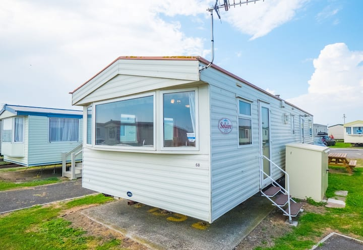 SP155 - Camber Sands Holiday Park - Sleeps 8 - Private Parking - Close to the beach