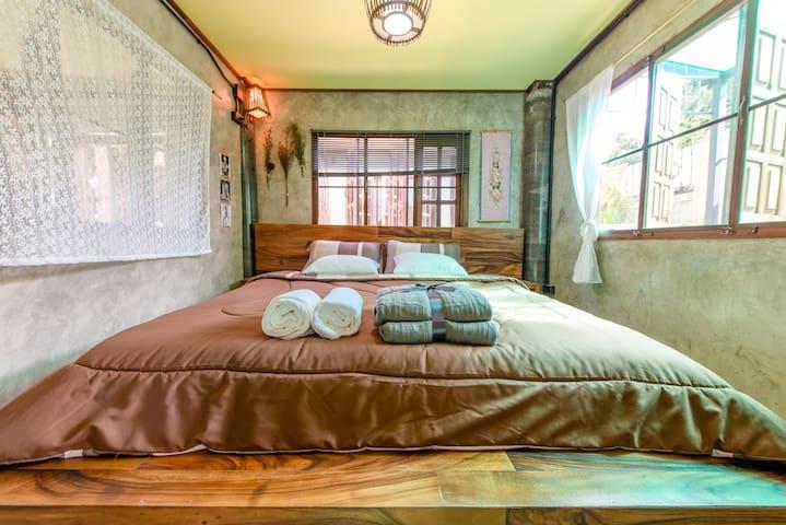 Bedroom on the first floor一楼卧室