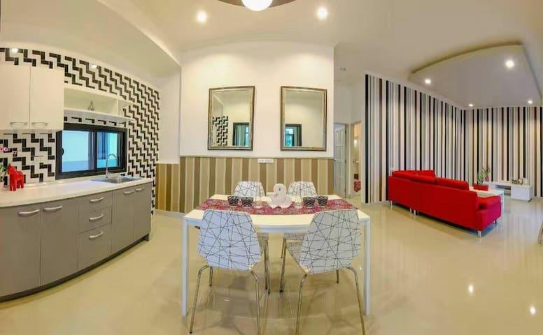 Modern Villa HUAHIN near black mountain