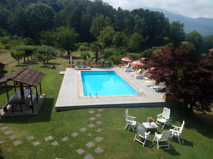 Casale i Girasoli,rinnovato apt, parco e piscina