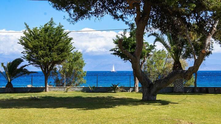 Diakopto comfort seafront apt 5min from Odontotos