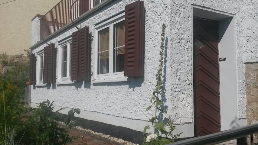 1-Raum-Ferienwohnung unterm Landgrafen - Jena - Apartamento