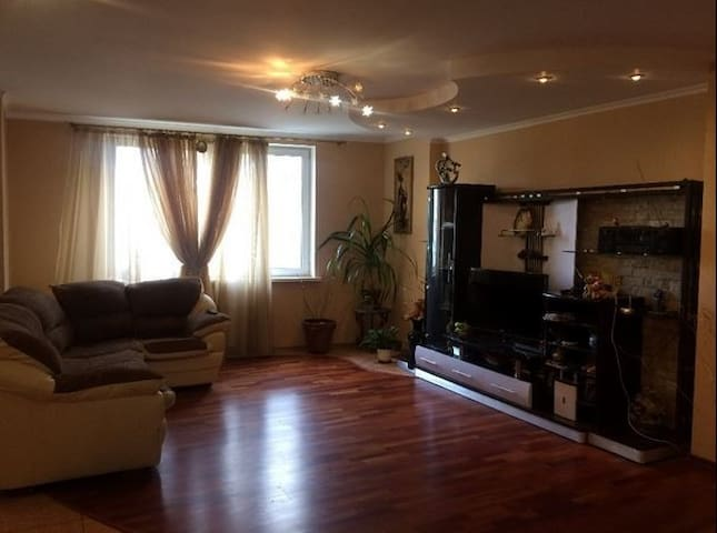 Large apartment for 2-6 people. Transfer airport.