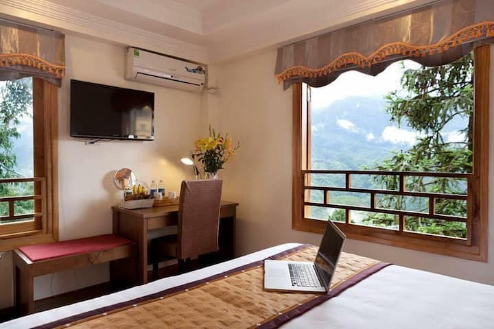 Song Anh 2 Hotel Sapa /phòng ban công view núi