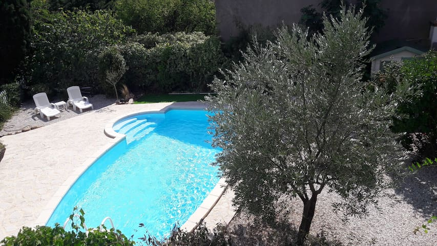 Big vineyard house with Mediterranean garden - Roujan - Talo