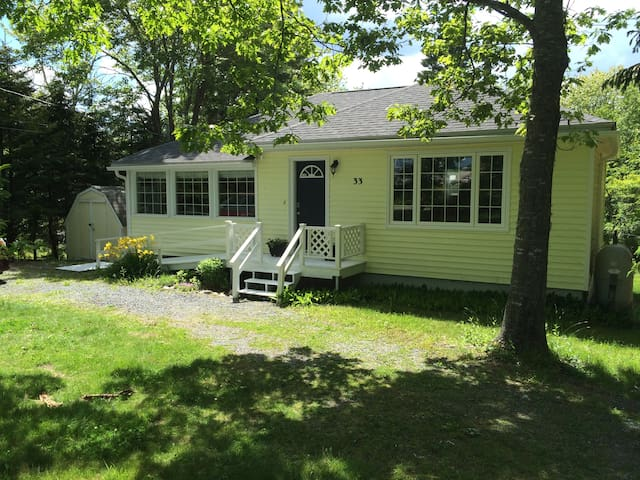 Lakefront Cottage next to ocean beach - Ingramport - Chatka