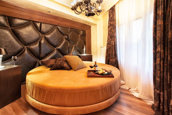 Ladadika Design Deluxe Double room
