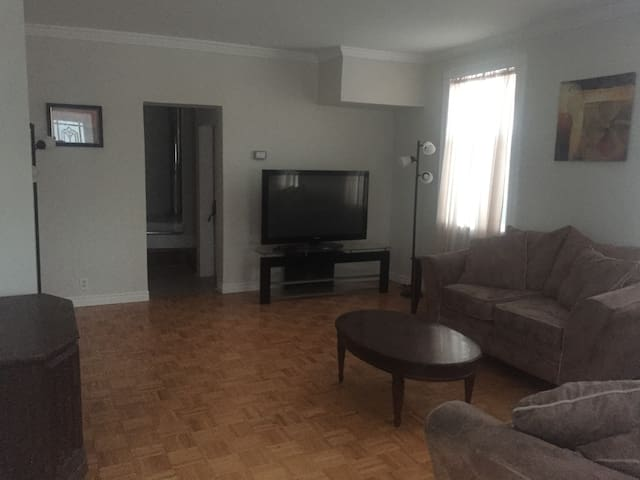 Room rental in 3 bedroom house-$200 weekly