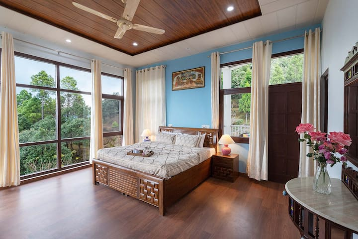 Private bedroom w/Mountains,Sunrise View&BKFST