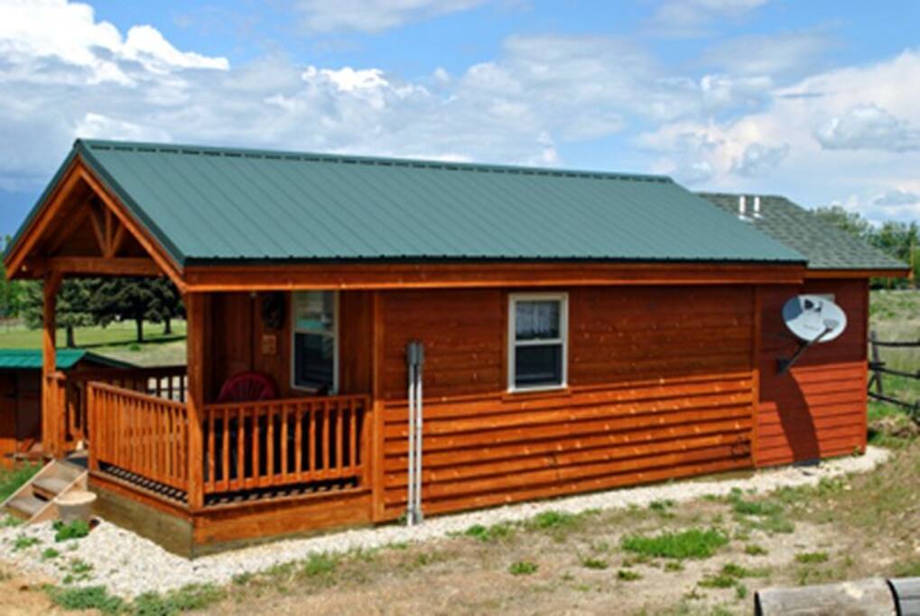 Wolf Den Cabin Cabins For Rent In Corvallis Montana
