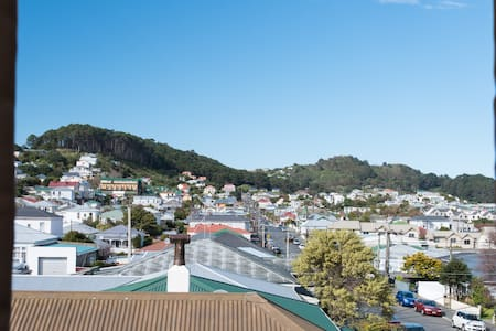 Close to the city in Vibrant Newtown! - Wellington