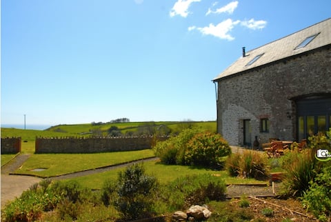 Secluded Devon Barn overlooking the sea
