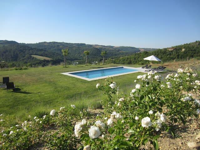 Val Doglio: Maison 3 chamb.- vue 360°. Déco design