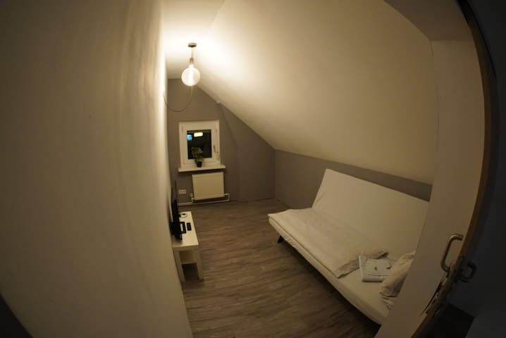 Small Room in a Villa right under the Roof.2Person