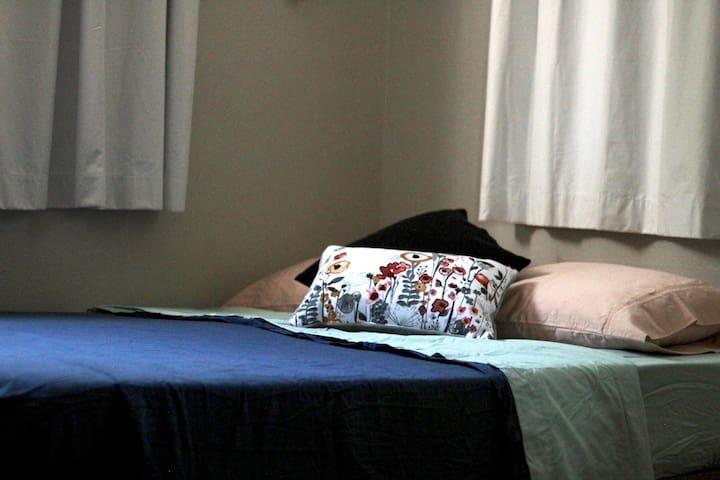 Wildflowers--Main Floor Cozy Room, NO CLEANING FEE