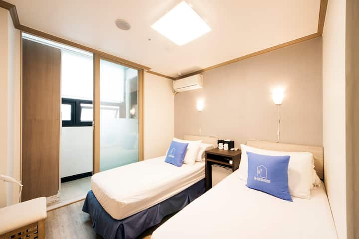 K-Guesthouse Sinchon2 (D-TWIN1)