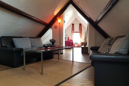 Dachboden-Studio,  privates Bad und Gartenzugang