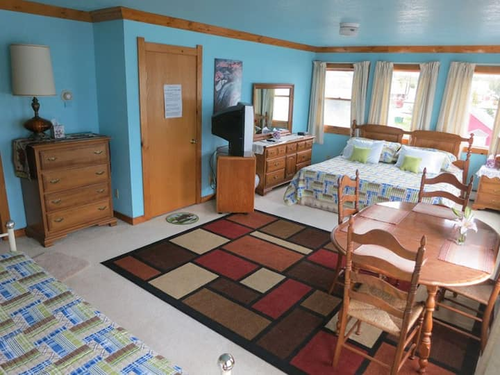 A Sheltered Harbor Lodging: Room 1