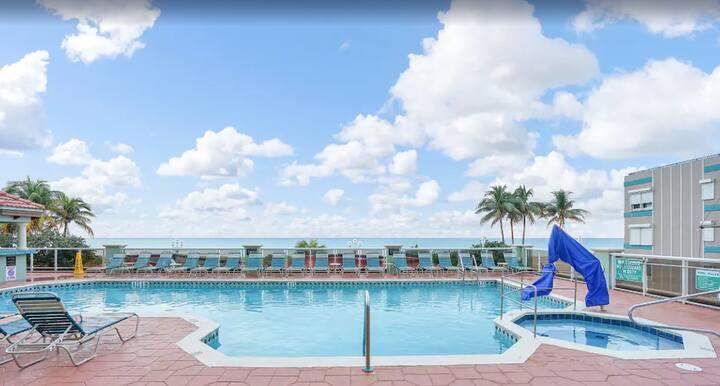 Ocean View Hotel Suite @ Hollywood Beach Towers