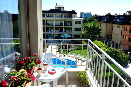 Nearby the beach-stylish apartment