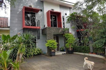 Gallery Guest House Meadow Green Lippo Cikarang - Cikarang Selatan - Гостевой дом