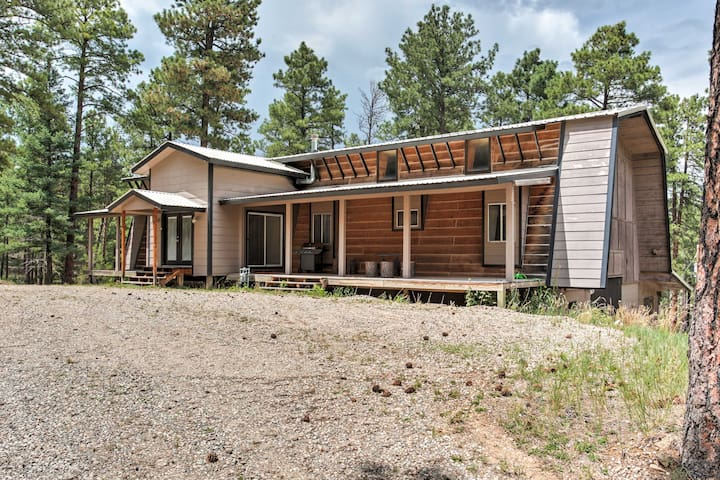 NEW! Tranquil 3BR Alto House by Flying J Ranch!