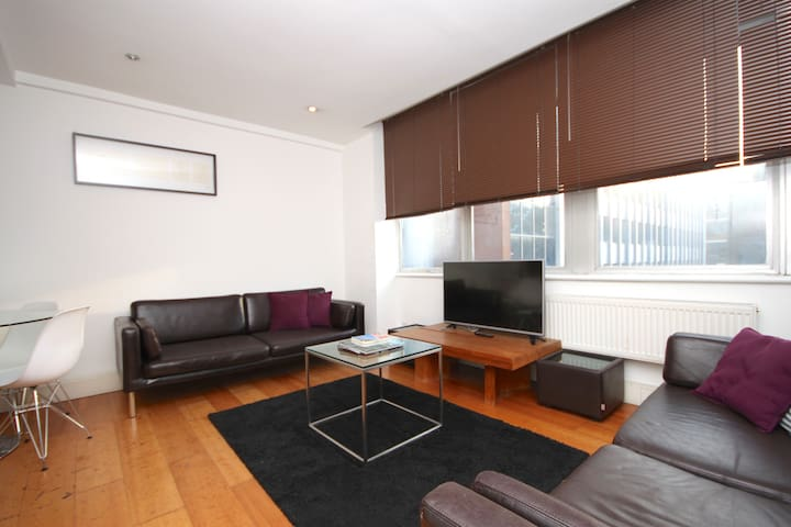V CLEAN 2 BEDROOM Apartment Berwick St & Oxford St