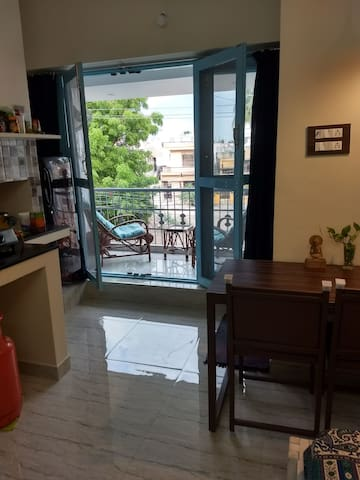 Super Bright Studio Near Ramana with WIFI & AC