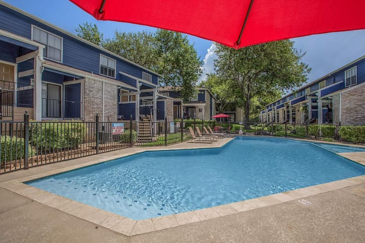 Spacious Seabrook Apartment near Kemah/Clear Lake!