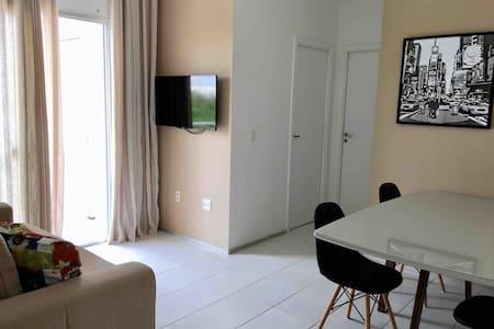 Apartamento confortável e condomínio CLUB