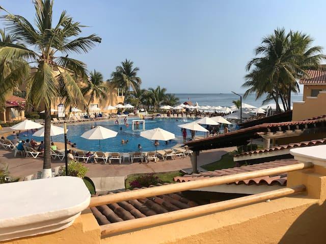 Villa en Hotel tesoro 3 recamaras frente playa