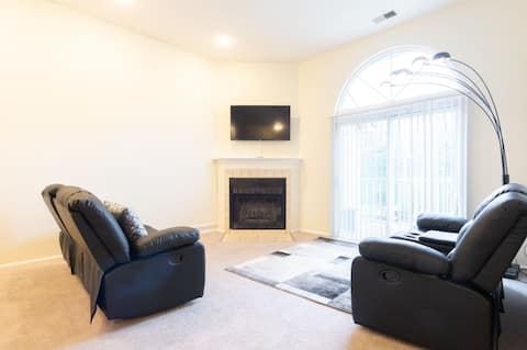Gorgeous Apartment Great for an Executive Stay!