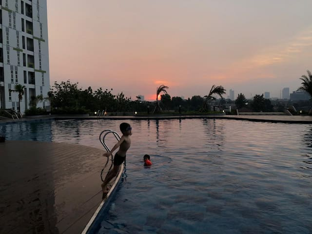 1 Bedroom apartment,BSD with pool and city view