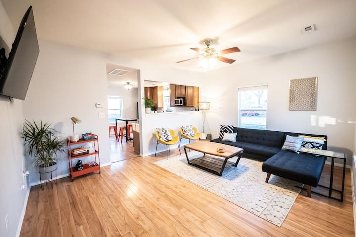 CLEAN Modern & Private -Perfect for all things NWA
