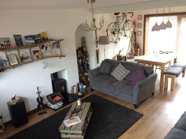 Lovely rustic quirky home near Edinburgh