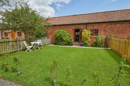Pretty self contained cottage near Lincoln