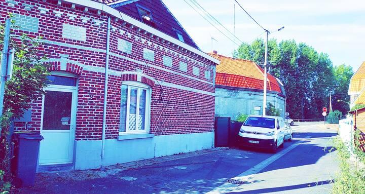 Maison proche Lille avec terrasse et parking