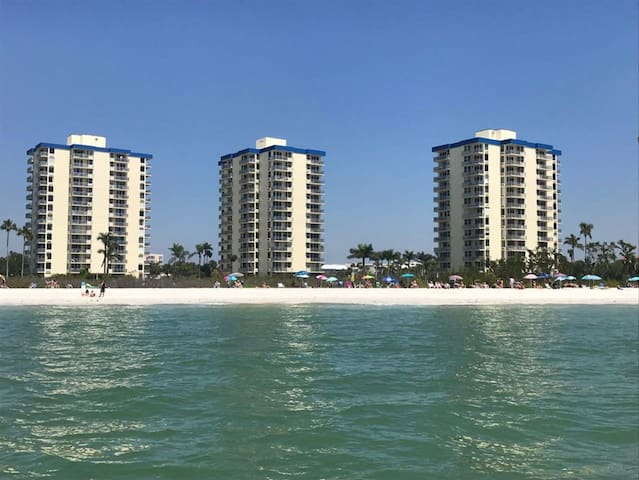 Spectacular Gulf Views w Updated Accommodations