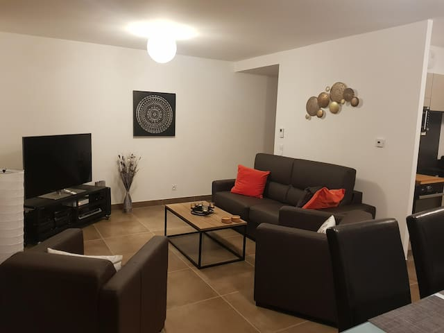 Apartment 5km from the center in the country side