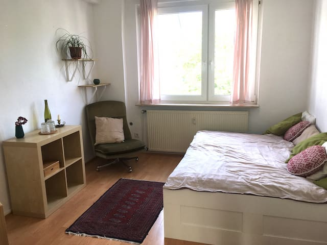 Helles Privatzimmer in Ehrenfeld*Nice private room