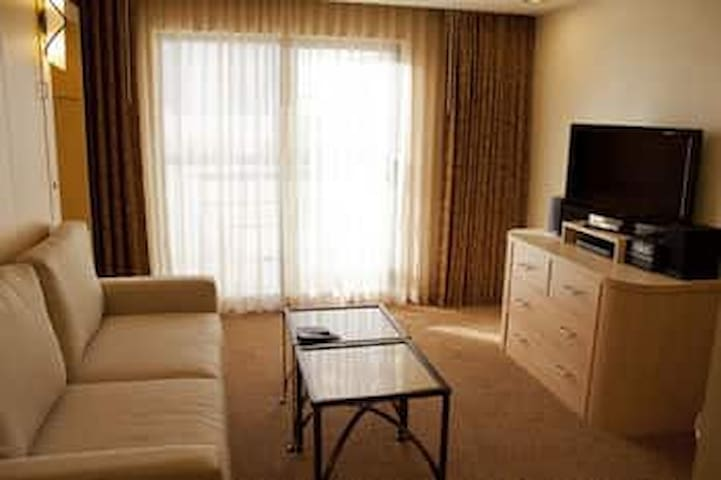 Polo Towers Studio  Suites