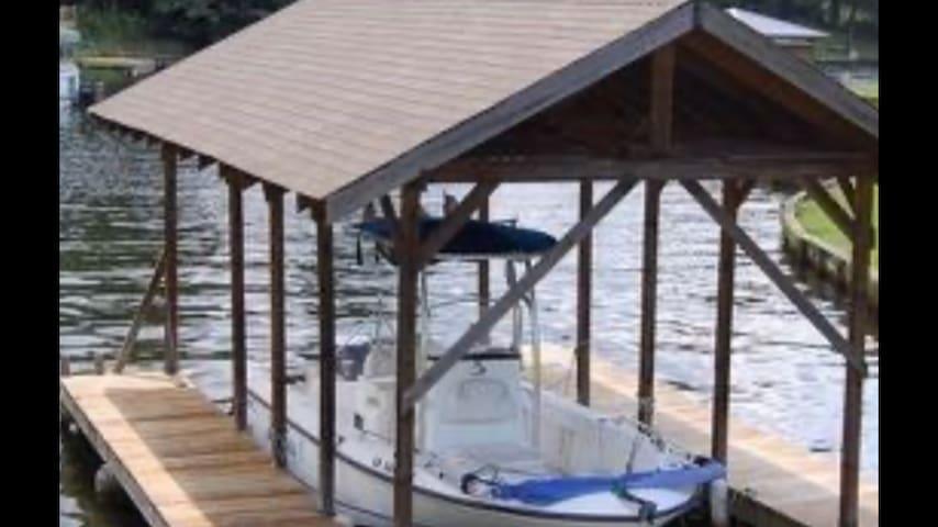 Lake house on beautiful Lake Tobesofkee