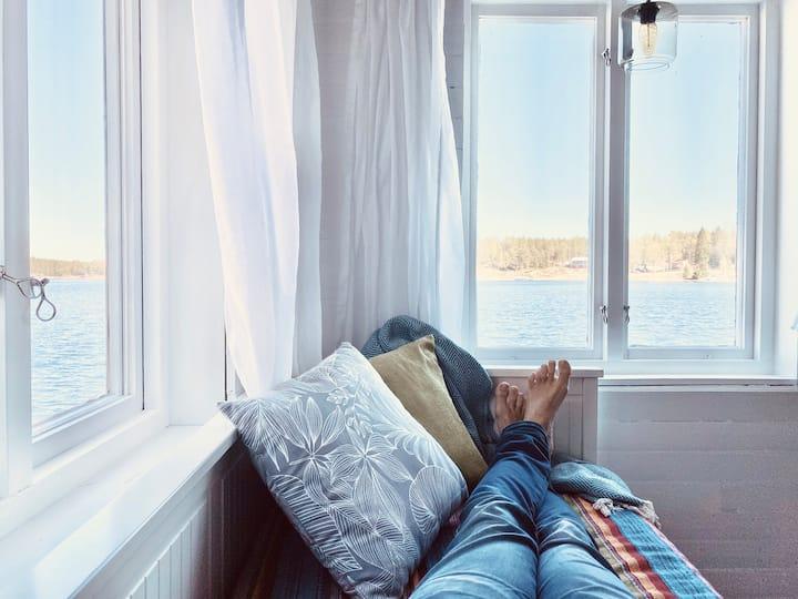 Njut av ölivet i egen sjöbod i Ulvöhamn