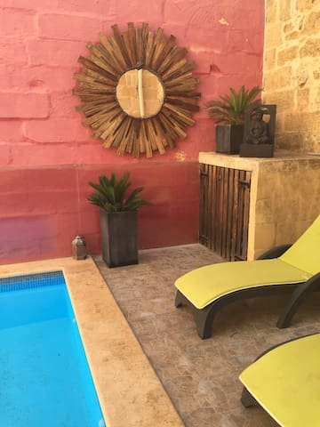 Farmhouse + Pool  - Boutique Style - Xagħra - House