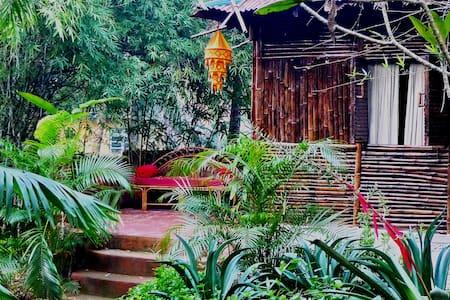 Bamboo Gardencottage @ Casa 3Amigos - Kisház